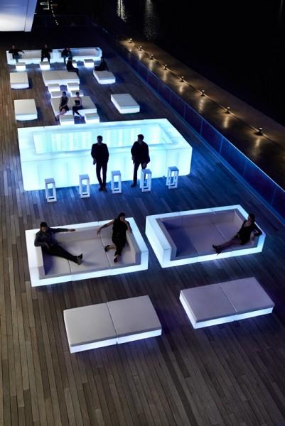 Vondom Vela single bar counter with LED light