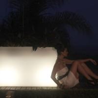vondom-plantenbak-barcelona-wit-verlicht