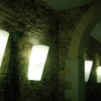 serralunga-pot-au-mur-verlicht