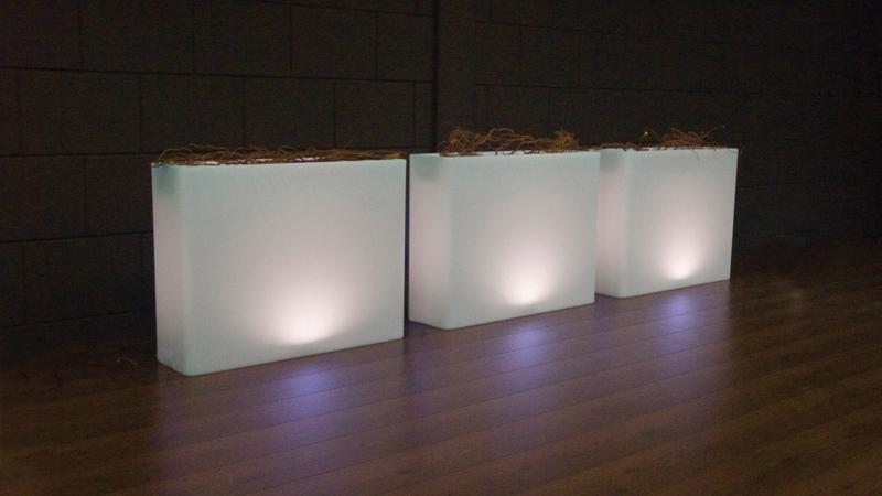 Bloembak Milano LED - Verlichte Bloempotten - Tuin & Buitenleven ...