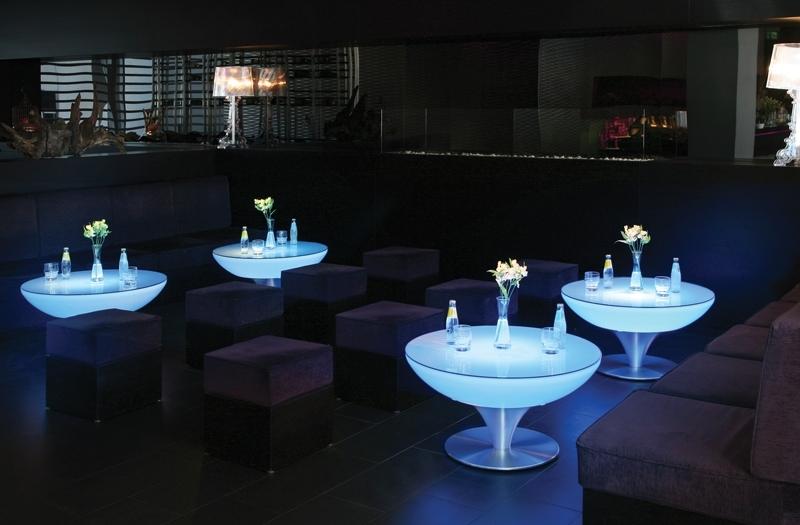 moree lounge table 45 led verlicht led meubels verlichting kaarsen gadgets trends. Black Bedroom Furniture Sets. Home Design Ideas